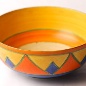 2. Clarice Cliff Bizarre bowl. Hand painted in brightly coloured geometric motif. Early 20th century.